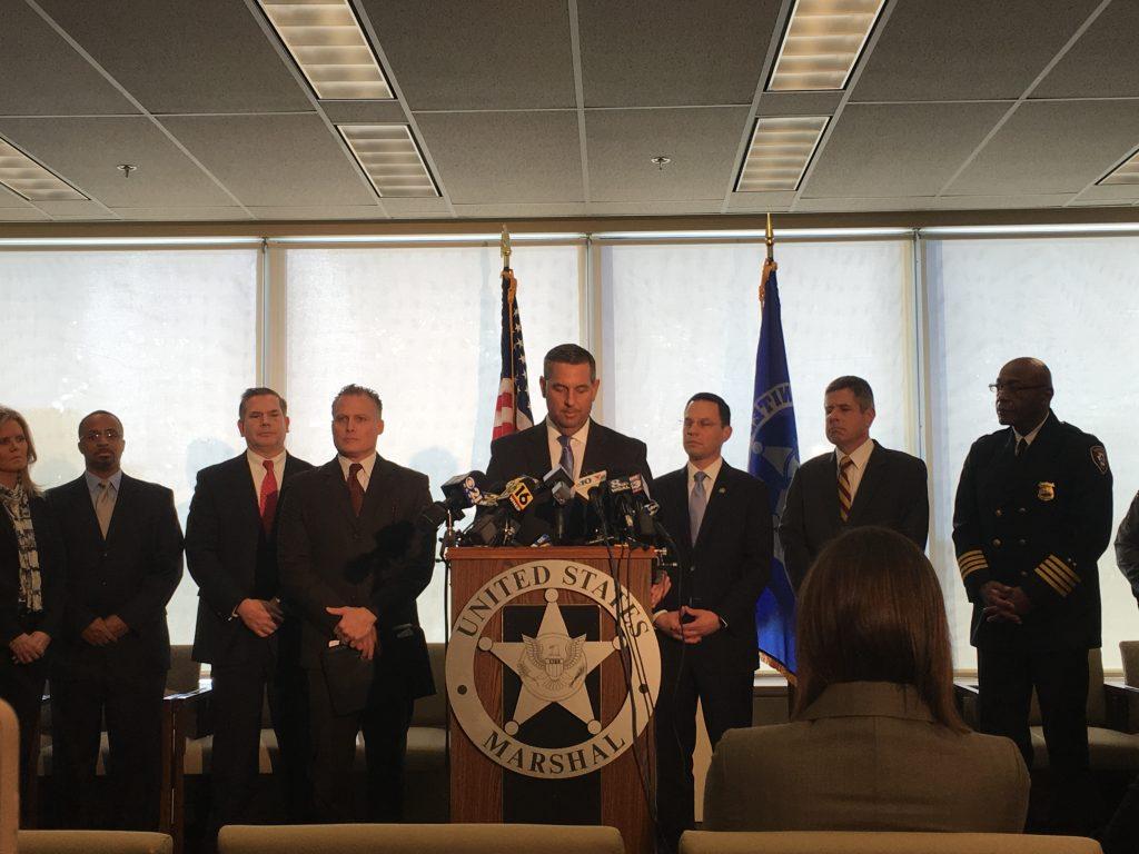 U S  Marshal killed, police officer injured, during arrest